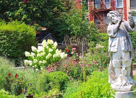 Elizabeth Street Sculpture Garden