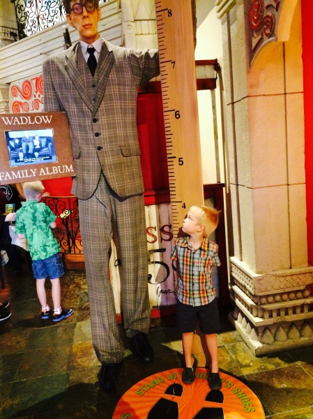 Tallest man Robert Wadlow and My Strange Family