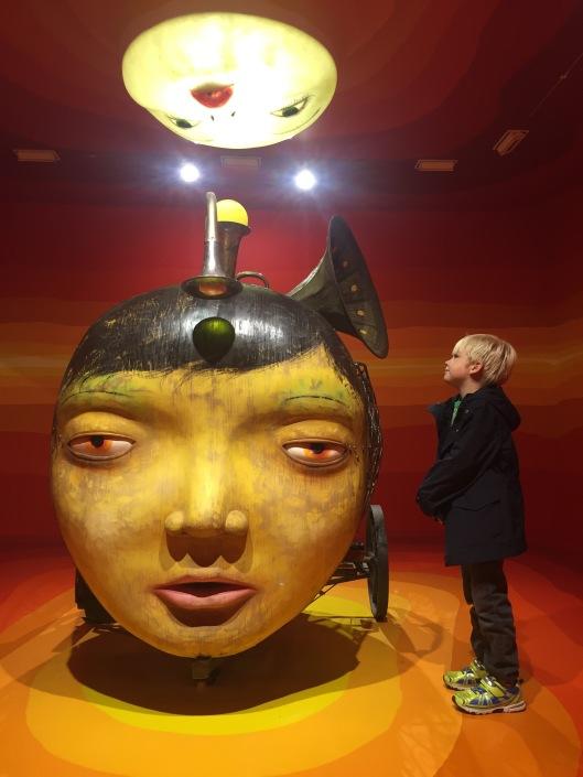 interactive-sculpture-osgemeos