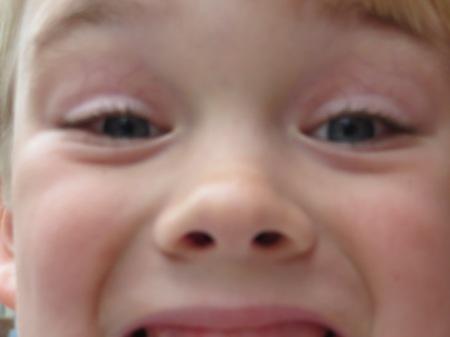 H blurry Selfie